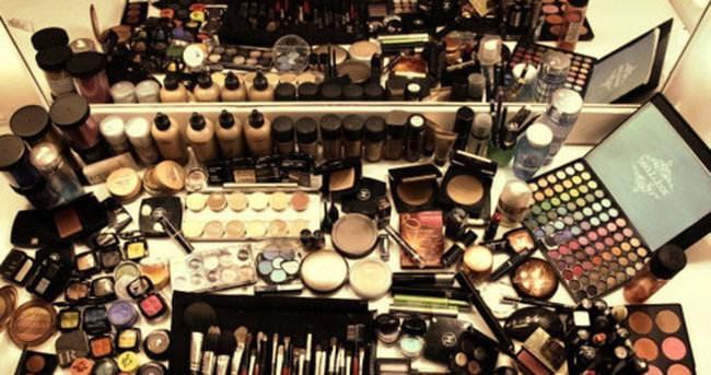 Kozmetik malzemelerini tarihi geçtikten sonra kullanmayın