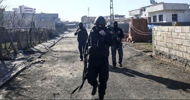 İdil'de çatışma: Üç asker yaralı