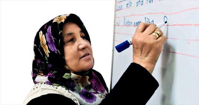 Mamak'ta 350 kişi okuma-yazma öğrendi