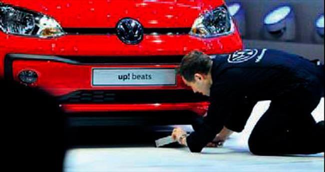 VW'ye fuarda kötü sürpriz!