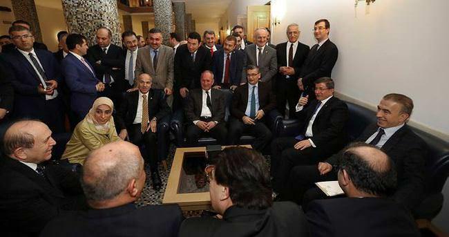 Davutoğlu, milletvekilleriyle bir araya geldi