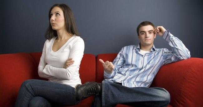 İlişkilerde normal kabul edilen yanlış tavırlar