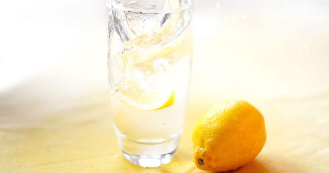 Güne ılık limonlu su ile başlamanın faydaları