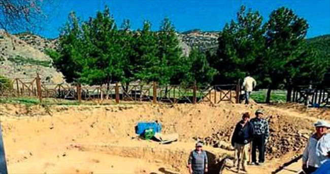 Pamukkale'de ocak ve çömlek bulundu