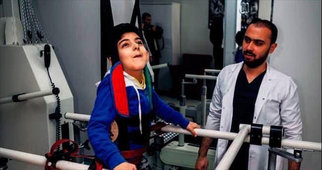 Devlet hastanesinde robotla tedavi hizmeti