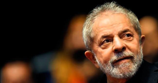 Eski Başkan Lula'ya yolsuzluk gözaltısı