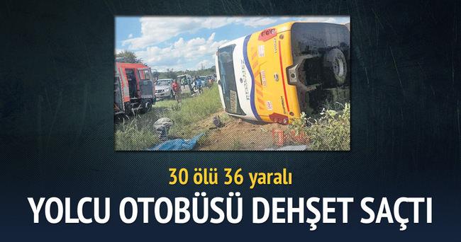 Katliam gibi kaza: 30 ölü 36 yaralı