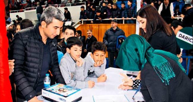 Kocaeli Büyükşehir 27 bin 180 tablet dağıttı