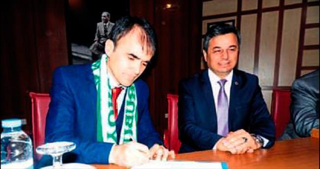 Anamur Belediye Özcan'a emanet