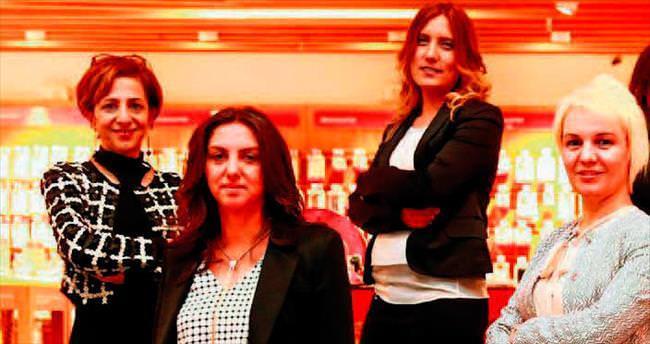 Vodafone'un melekleri kızlara model oldu