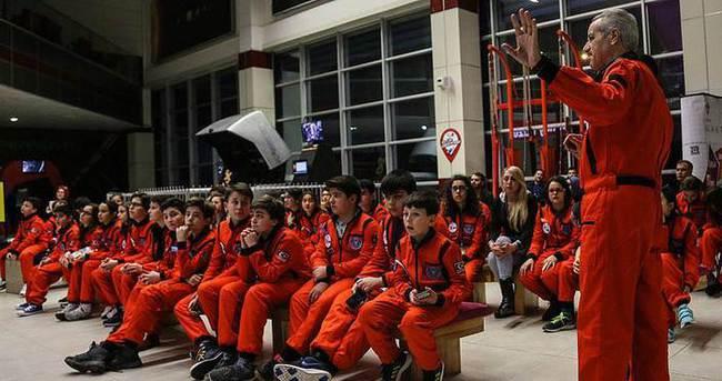 Çocuklar 'Mars'ta bir gece' yaşadı
