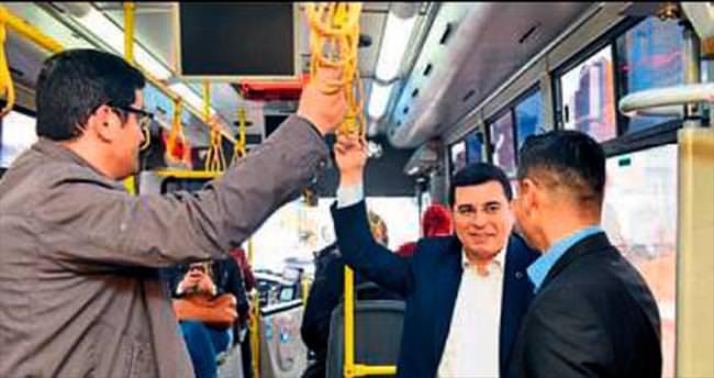 Başkan Tütüncü halk otobüsünde