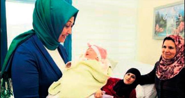 Kazan'ın Türkmen gelini doğum yaptı