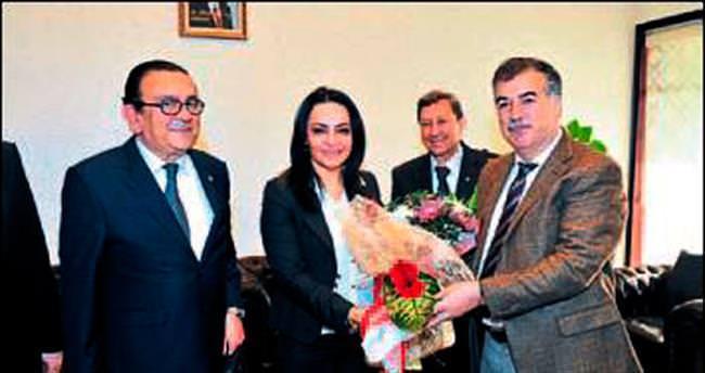 Vali Kerem Al'a teşekkür plaketi