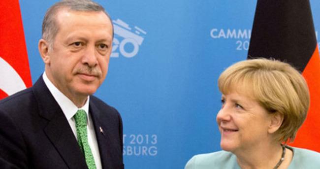 Merkel, umudunu Türkiye'ye bağladı