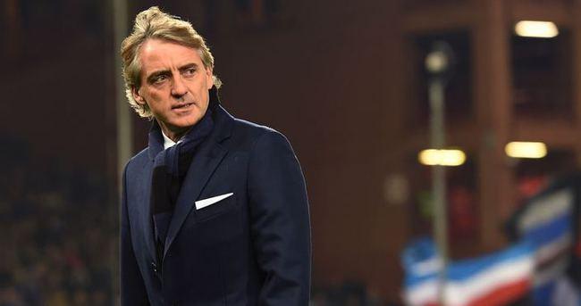 Mancini, İtalya Milli Takımı'na göz kırptı