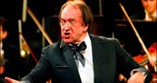 Ünlü orkestra şefi Harnoncourt öldü