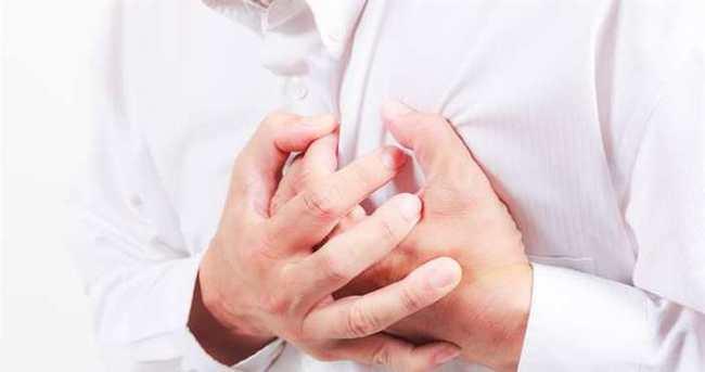 Göğüs ağrısı ciddi problemlerin işareti olabilir