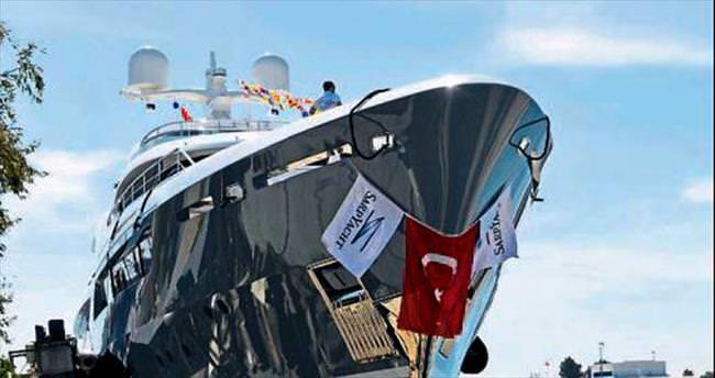 22.5 milyon euroluk lüks yat denize indirildi