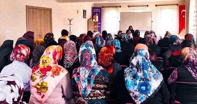 Altındağlı kadınlara 'dedikodu' semineri