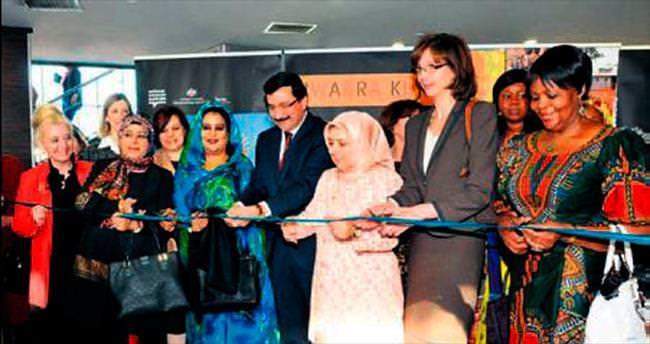 Dünya kadınları Keçiören'de 8 Mart'ı kutladı