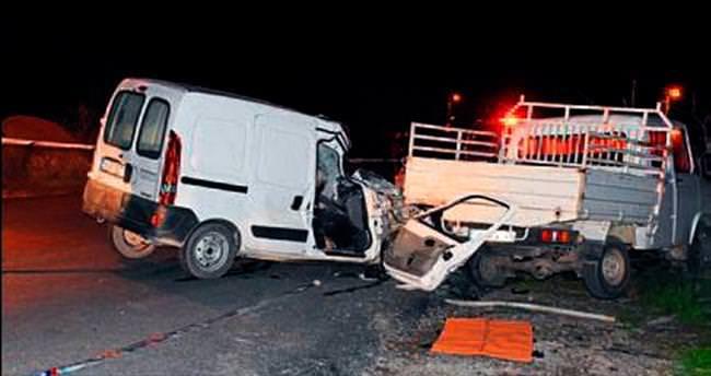 Duran kamyonete çarptı, 1 kişi öldü