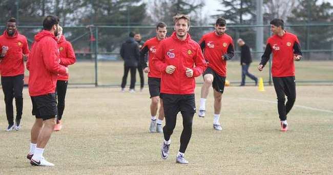 Eskişehirspor'da iki futbolcu kadro dışı