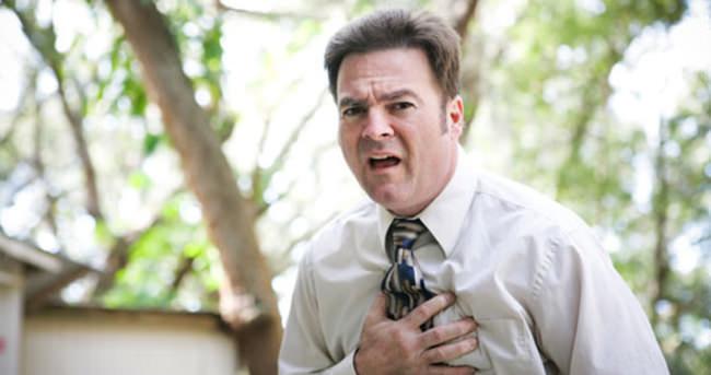 Göğüs ağrısı nelerin belirtisi?