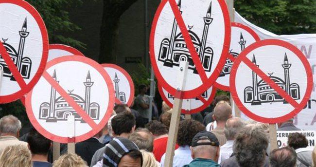 Almanya'da İslam korkusu: Ezan yasaklansın