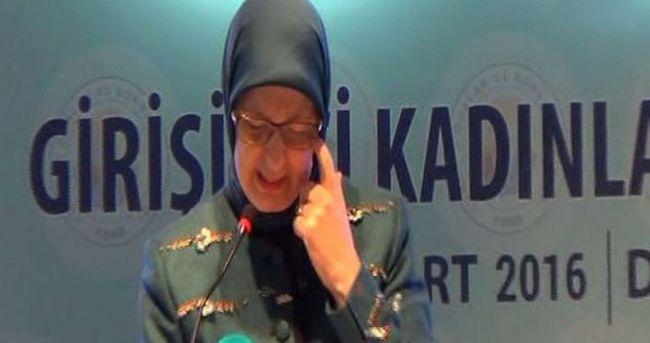 Bakan Ramazanoğlu kürsüde gözyaşlarını tutamadı
