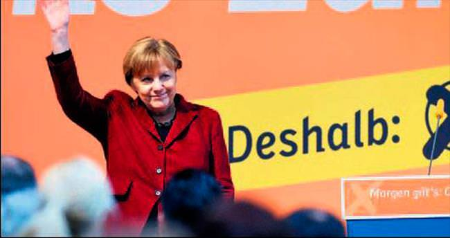 Angela Merkel için referandum gibi seçim