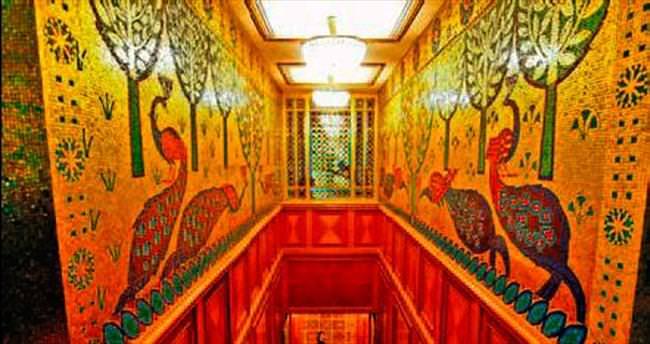 Çavuşesku'nun sarayı ilk kez halka açıldı