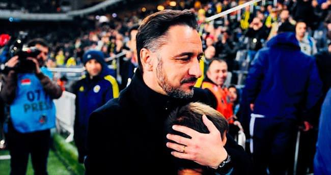Kalbimiz kapkara seninleyiz Ankara