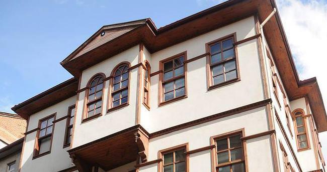 Tarihi evleriyle turistlere talip