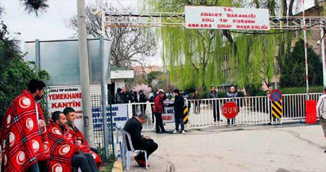 28 kişinin cenazeleri ailelerine teslim edildi