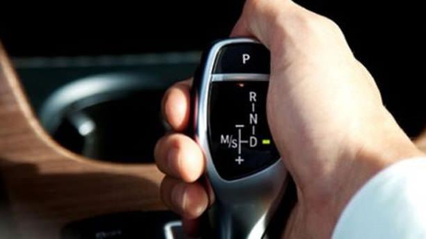 Erkeklerin yüzde 24.3'ü otomatik vites tercih ediyor