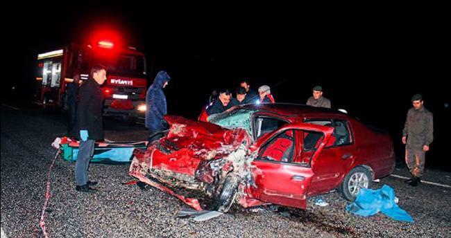 Manisa'da feci kaza: 3 ölü, 7 yaralı