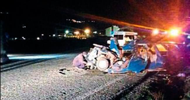 Kamyona çarpan sürücü vefat etti