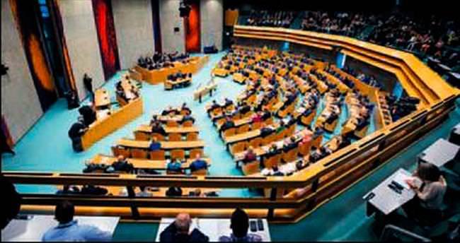Hollanda Meclisi'nden büyük saygısızlık