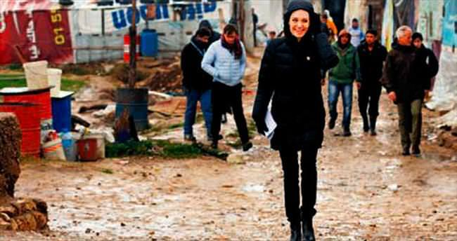 Hollywood yıldızı mülteci kampında