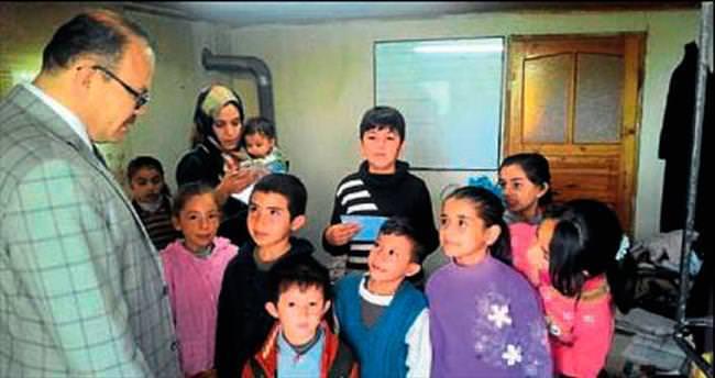 Suriyeli çocuklar eğitimden geçiyor