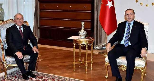 Erdoğan, Uyuşmazlık Mahkemesi Başkanı Özgüldür'ü kabul etti