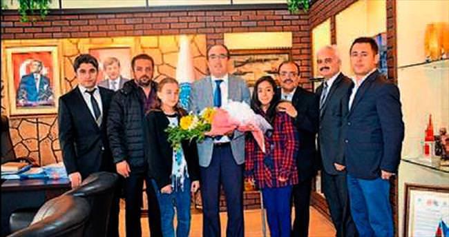 Başkan Çöl'den öğrencilere katkı