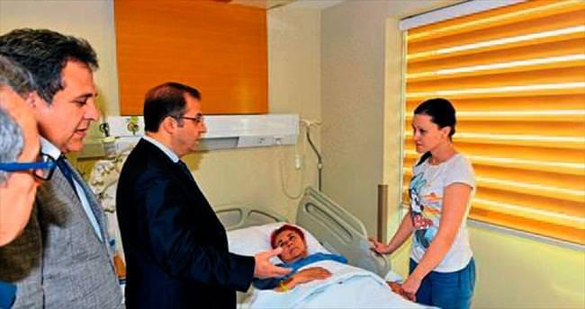 Vali Türker'den yaralılara ziyaret