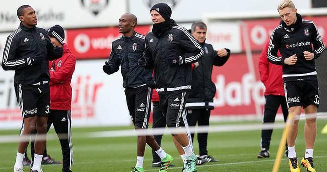 Lider Beşiktaş'ın konuğu Antalyaspor
