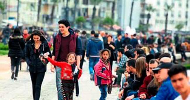 Suriyeli çocuklar kent sokaklarında