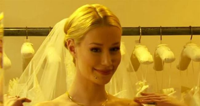 Düğünü ertelemeye karar verdik''