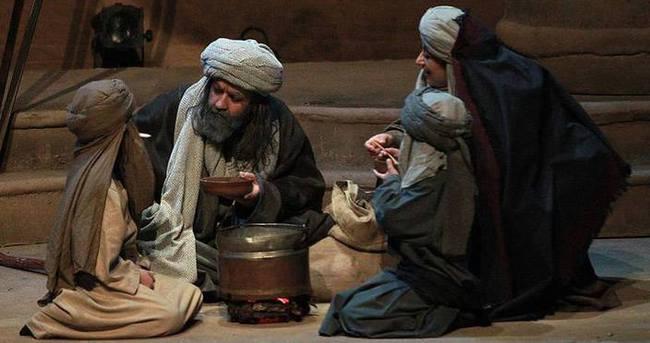 'Omar Bin Hattab' sahnelendi