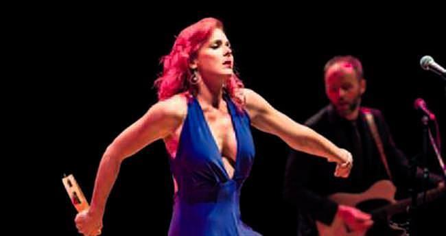 Amerikalı şarkıcı Türkiye'de ilk konserini verdi