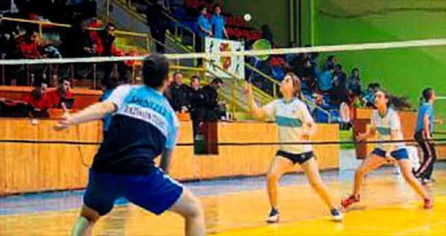 Isparta'da badminton rüzgarı